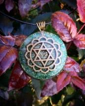 orognitový šperk, sowulo, orgonit, energie, šperk, orgone, orgonity,orgonit, šperky, zelený avanturín, anahata, symbol