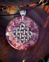 orognitový šperk, sowulo, orgonit, energie, šperk, orgone, orgonity,orgonit, nekonečný uzel, keltský znak, symbol, růženín