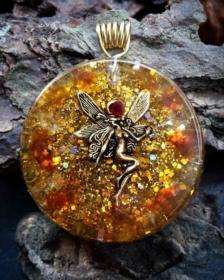 Orgonit, Orgonite, Orgone, orgonitový šperk, orgonitový přívěšek, strom života, orgonitový, posvátná geometrie, Tyrkys, květina života, čakry, energie, orgonite, semeno života, víla, jantar