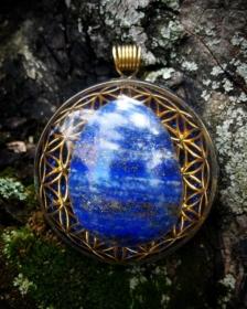 Orgonit, orgonite, orgonitový přívěšek, orgonitový šperk, orgonite, amazonit, orgone energy, lapis lazuli, azurit, kvěina života